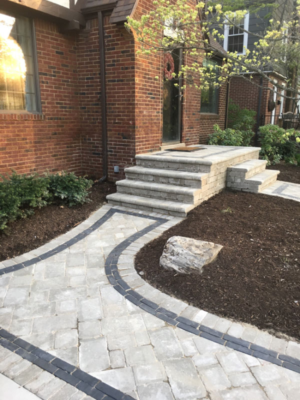 brick paver front walkway with contrasting border pavers