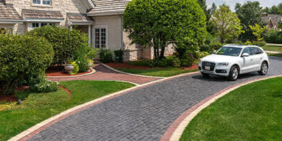Troy Michigan Brick Paver Driveway with borders