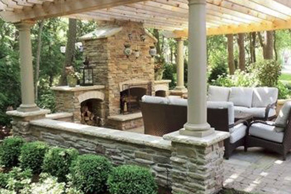outdoor living space design  Michigan
