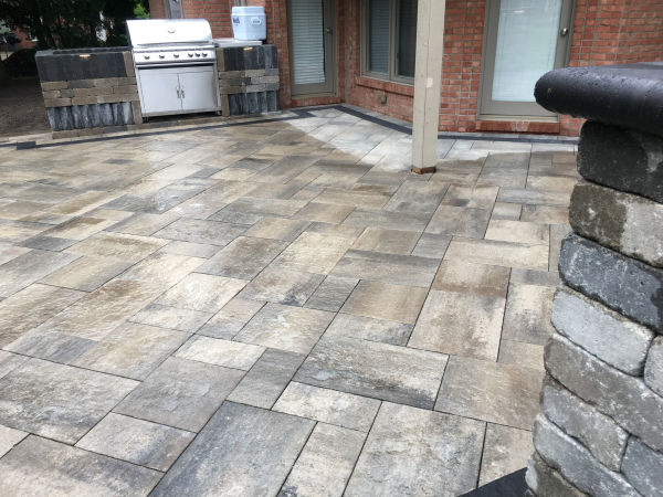 Raised Paver Patio - Oaks Pavers