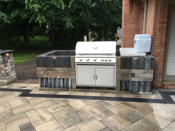 Built in Grill for Outdoor Living Spaces