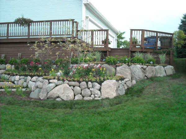 Stone Retaining Wall Installation 2
